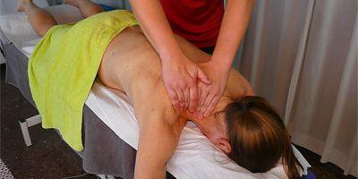 Hierojia, kampaajia, fysioterapiaa... Suomalaisia ammattilaisia Inglesissä