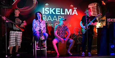 Heikki Silvennoinen & Fuge Juke Band toivat Playa del Inglesiin harvoin kuultua musiikkiherkkua: Bluesia ja Rootsia! -kanariatv.fi